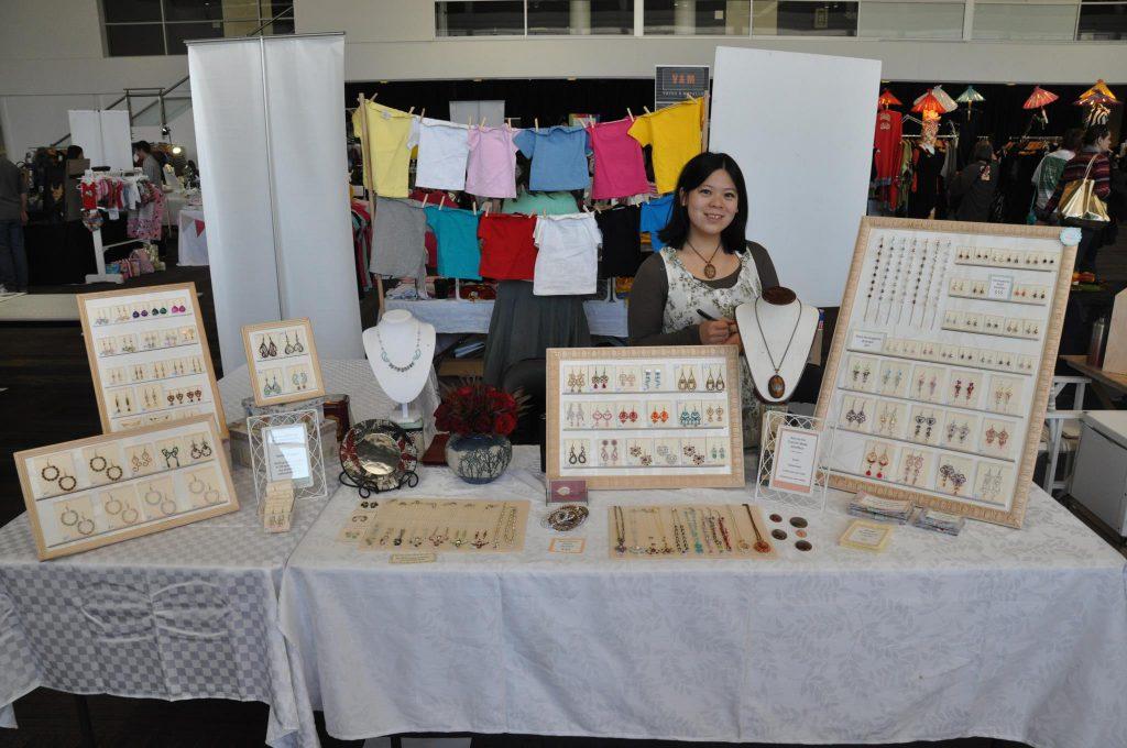Fionna12_-_market_stall