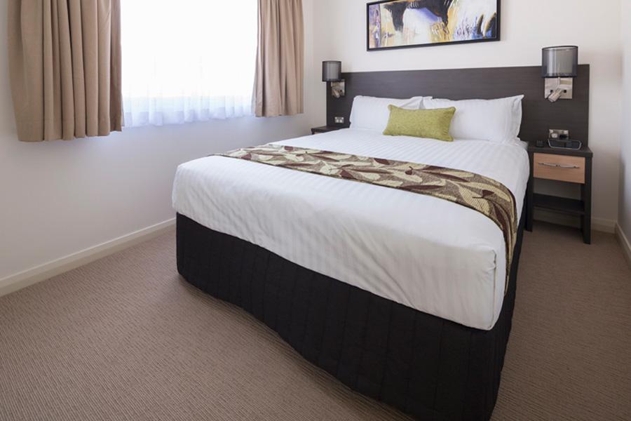 2bpv-bedroom2