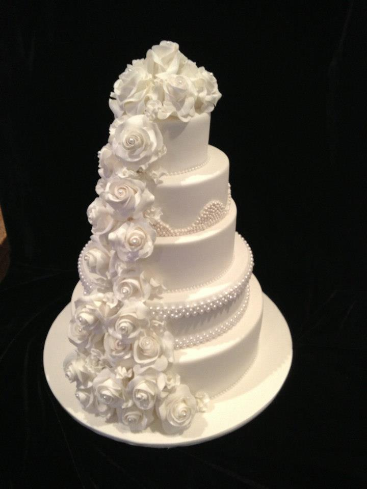 A wedding cake by The Cake Lady. Photo: The Cake Lady Canberra