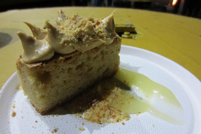 The Spanish almond cake.
