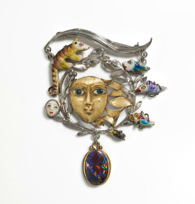 Elizabeth Olah Sunrise and shade, brooch 1981 sterling silver, 18 carat gold, porcelain, opal National Gallery of Australia, Canberra Crafts Board Collection donated by the Australia Council 1982
