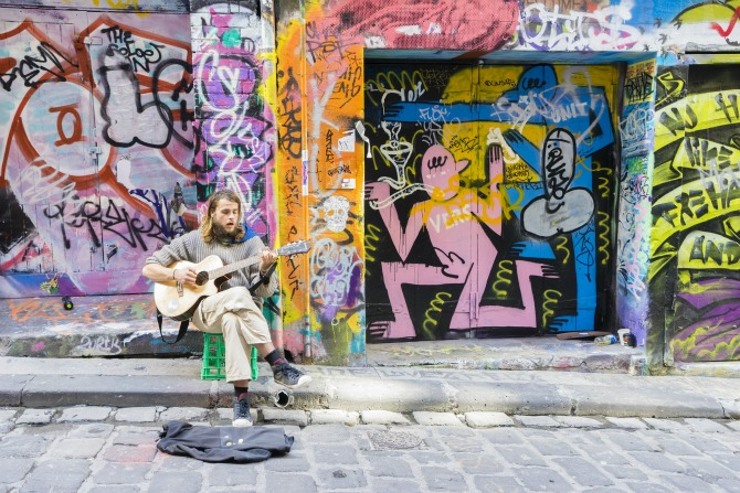 busker in melbourne feature