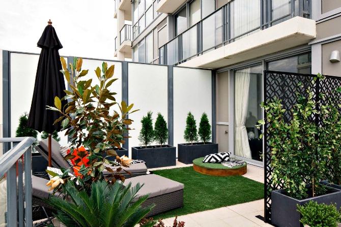 Balcony 77