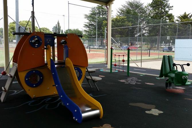 CBRwithkidsunder10_qbn playground2