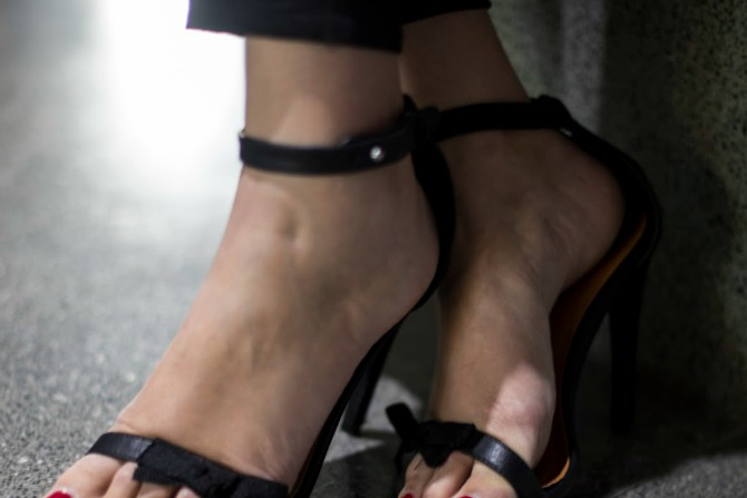 Spurr Samantha Bow heel in black.