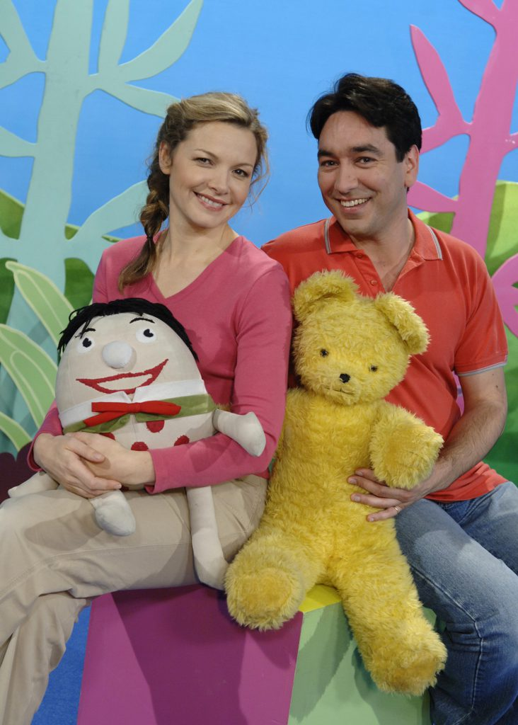 Justine Clarke and Alex Papps © Australian Broadcasting Corporation 2016