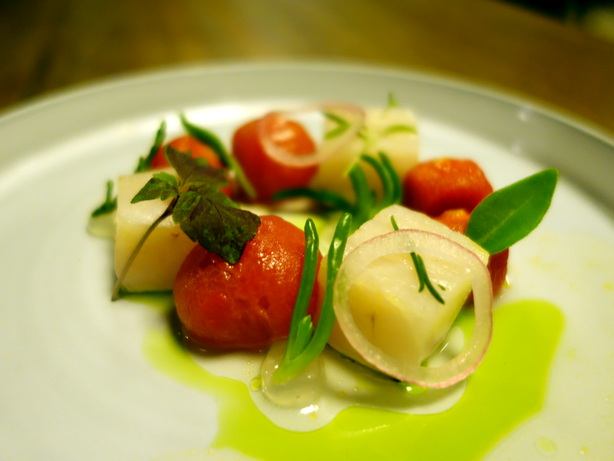 Food by Pialligo Estate. Image: Michelle Brotohusodo.