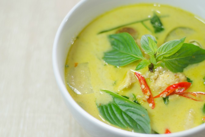 Green curry_feature