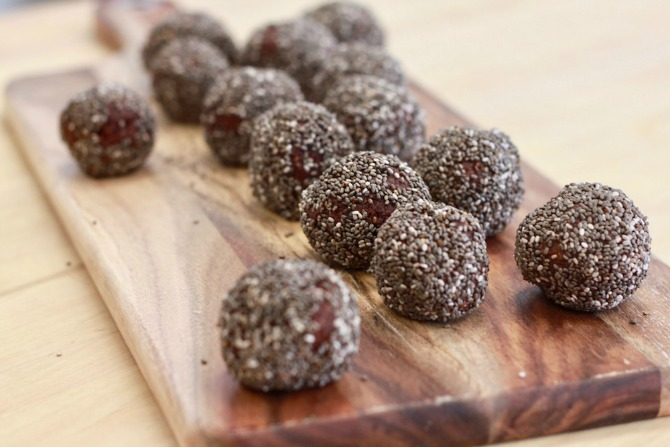 bliss-ball-chocolate-chia-seed-snack-recipe-feature