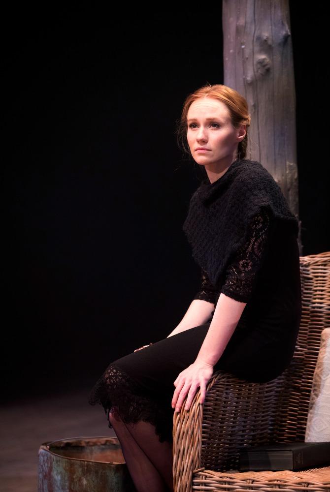 Lizzie Schbesta as Roxanne