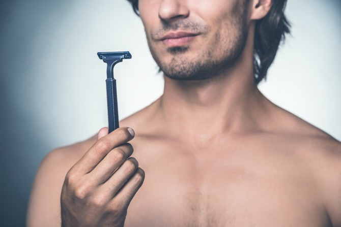 razor man shaving _feature