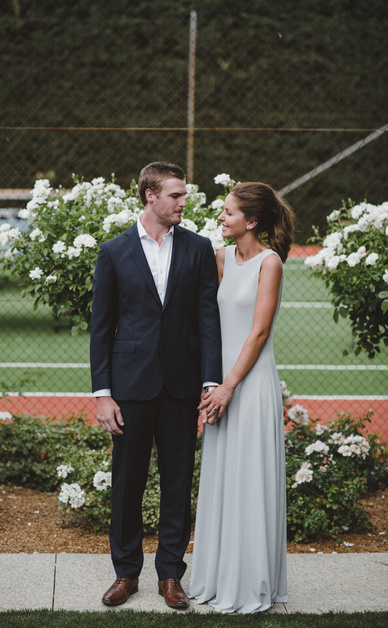 Alice and Johnny's relaxed backyard wedding 5