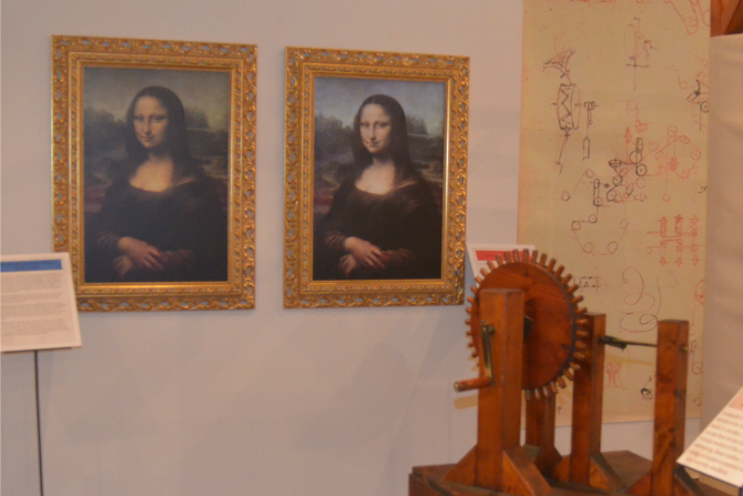 Recreations of the Mona Lisa, unrestored and restored.