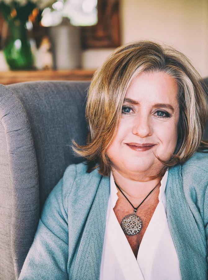 Janine Moran. Copyright Beth Jennings Photography.