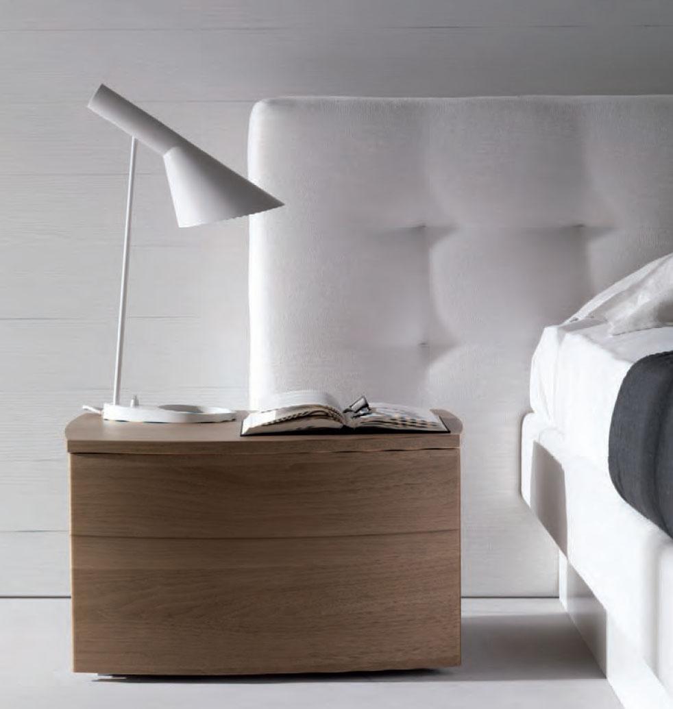 louis-poulsen-aj-table-lamp-1