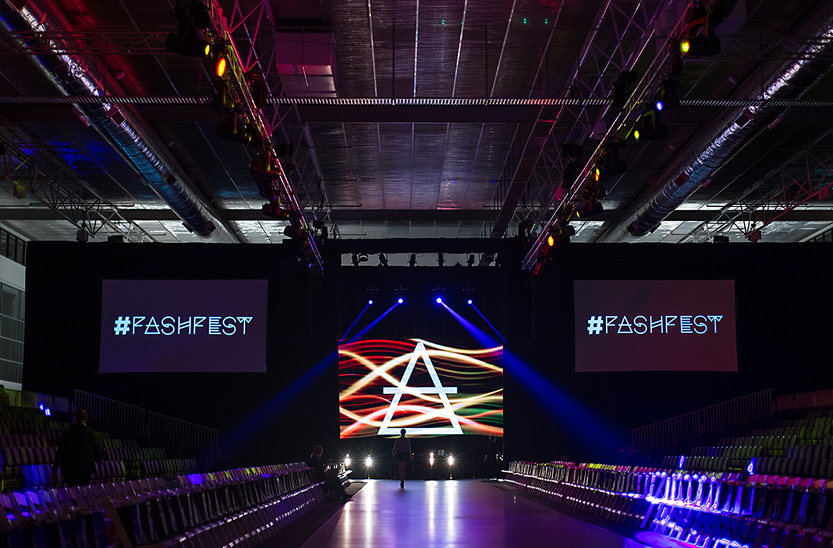 Project Stage Label: Vote 1 for fashion!