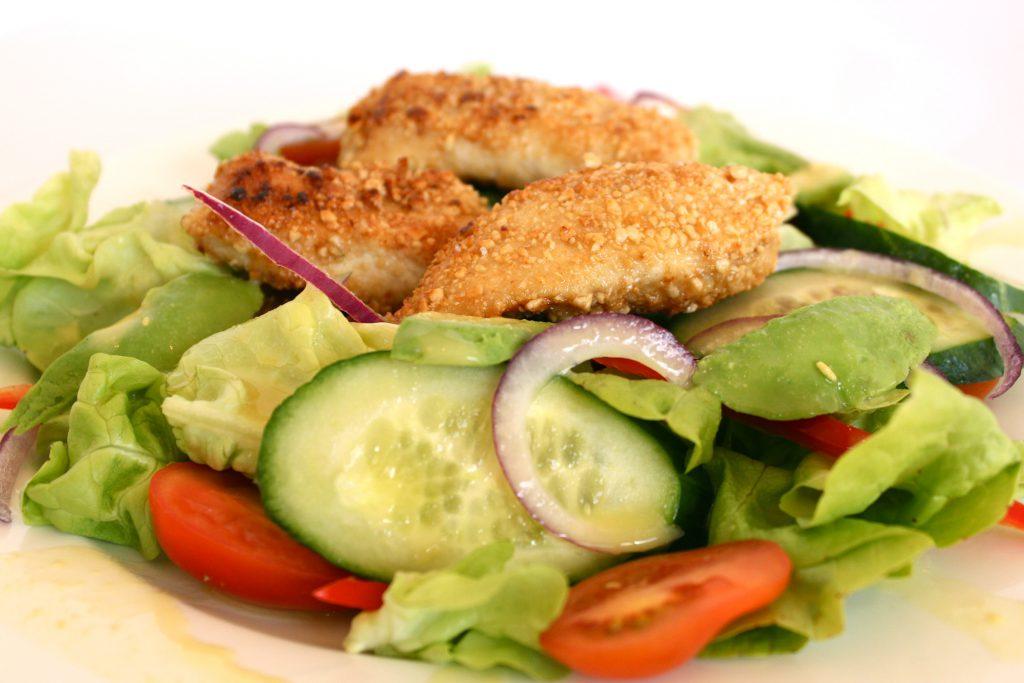 cashew chicken & salad