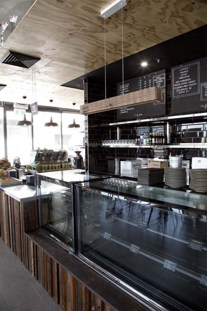 7th & Bake Patisserie Café