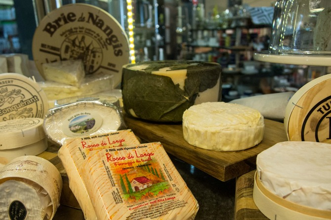Matchmaking: wine and cheese