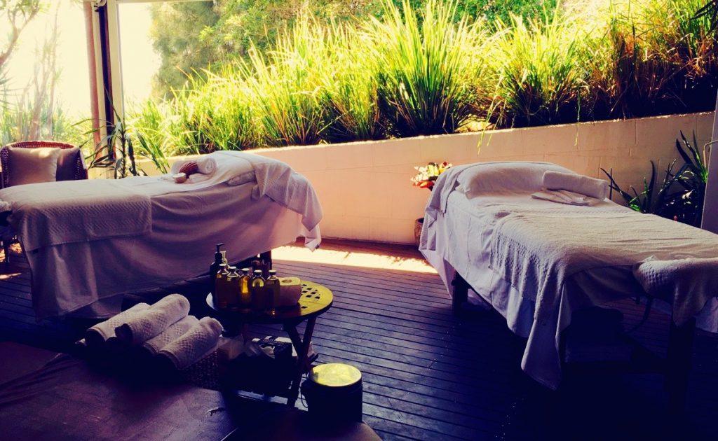 fortuner_massage_bannisters