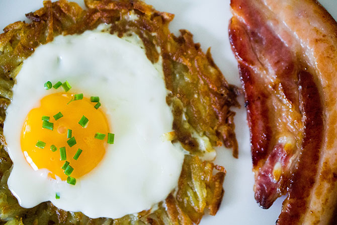 Egg in a hole potato rosti with maple bacon