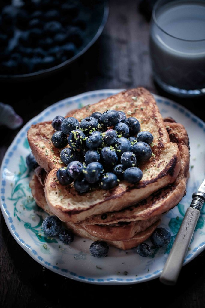 frangelico-french-toast-with-blueberries-and-vanilla-bean-creme-fraiche-anisa-sabet-the-macadames-19-14