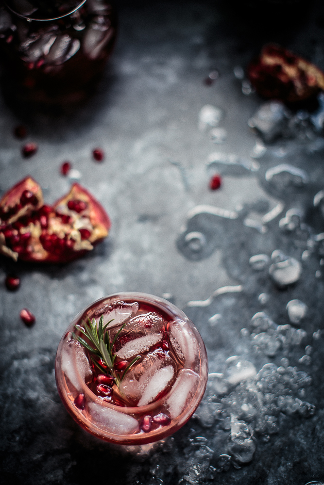 pomegranate-rosemary-and-gin-fizz-anisa-sabet-the-macadames-10-1