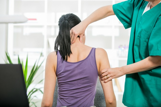 woman personal injury neck back physio.feature