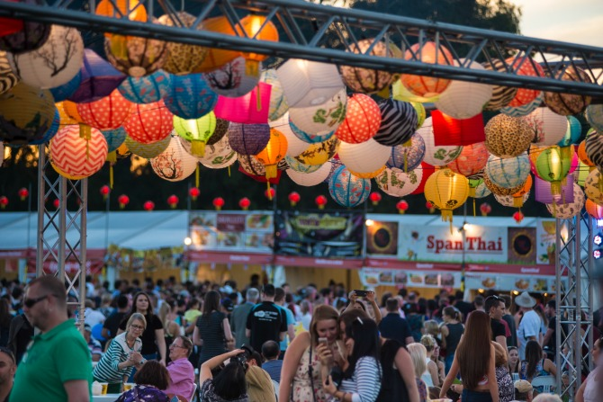 EnlightenNightNoodleMarkets_MartinOllman_feature