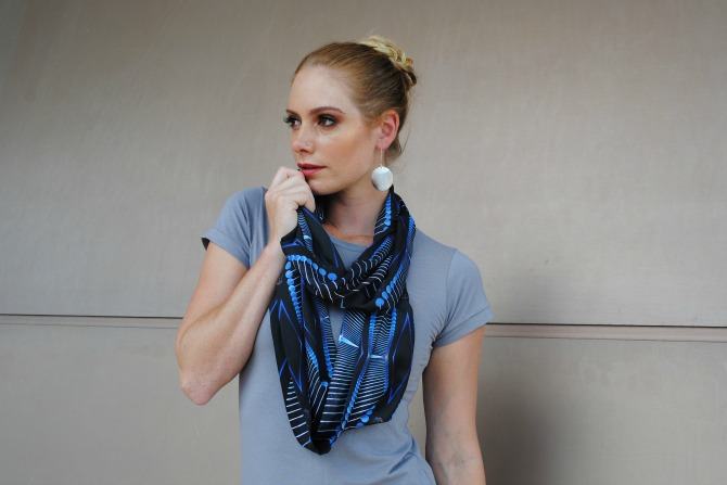 Loop_Scarf_in_Lucent_Blue_print