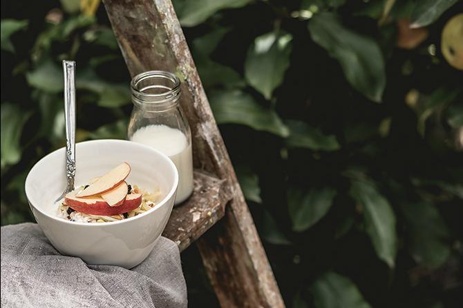 Recipe: Apple and Almond Bircher Muesli