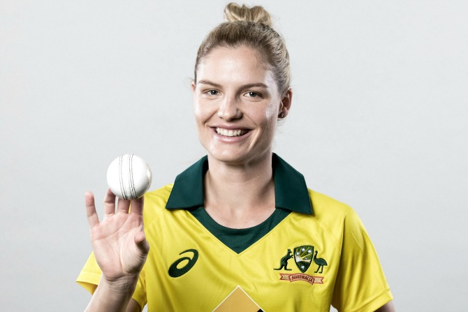 Nicola Carey returns to Canberra for cricket victory