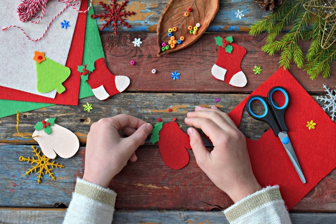 Easy festive craft ideas to keep little ones occupied