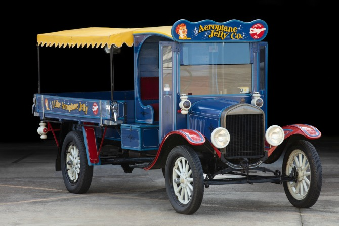 On the road again: 100 years of Australian cars take to the track
