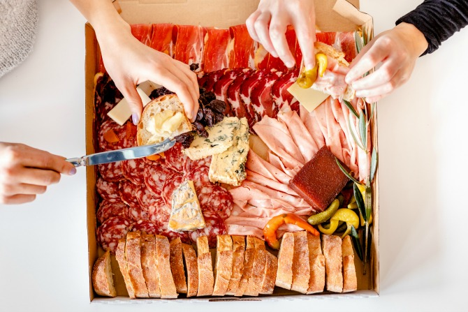 Amici: the friend with takeaway cheese and charcuterie benefits