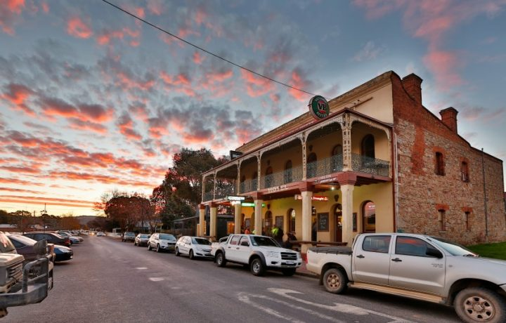 I never thought I'd fall in love with Bungendore. Until I did.