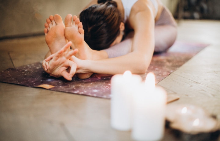 Ask an Exercise Physiologist: managing wrist pain during yoga and osteoarthritis