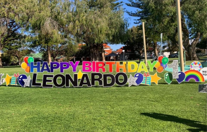 """""""There's no reason you can't celebrate"""": Canberra Sign Fairy brings a little bit of magic in lockdown"""
